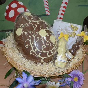large-25kg-easter-egg-in-basket-with-chocolates-1394732286
