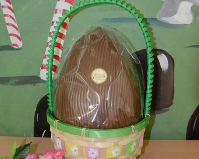 Large Easter Basket 1.1 kg Egg