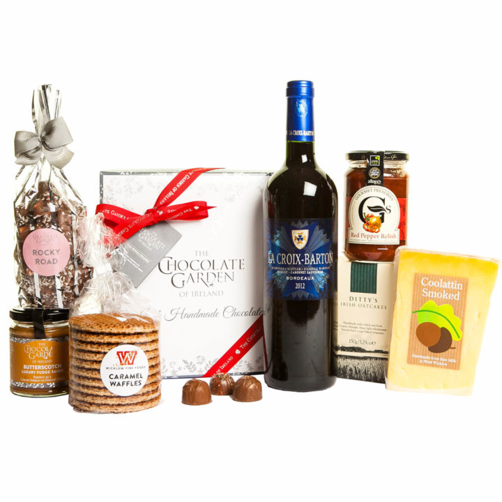 Hamper-with-Chocolates-&-Wine-Slaney-Treat